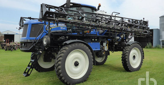 2013 New Holland SP240R sprayer sold by Ritchie Bros.